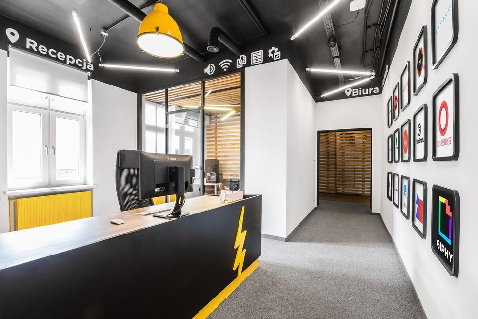 Droids On Roids - biuro jak mobilna aplikacja